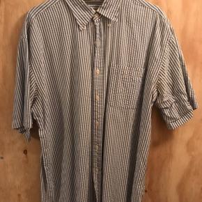 Flot stribet skjorte, købt i studio travels.