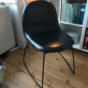 GUBI stol sælges. Fin stand. Kom med et bud :-)