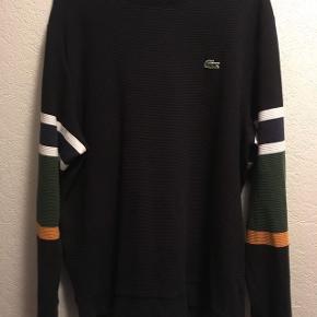 Virkelig lækker lacoste sweatshirt. Ny prisen er 1200 Brugt få gange Køber betaler fragten
