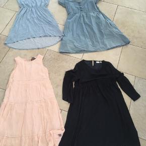 4 kjoler, den mørkeblå med prikker og store ærmer  fra Name it er aldrig. Al brugt, ligeledes den ferskenfarvede fra Creamie.