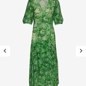 Super fin helt ny Ganni kjole   Printed mesh   Str 38, ny med prisskilt