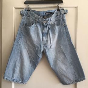 LEVI'S ENGINEERED JEANS shorts i lys vask Str: Medium