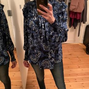 Fin ny bluse str xs/s  Oversize Carin Wester