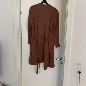 Meget tynd jakke, cardigan/overtrøje ish