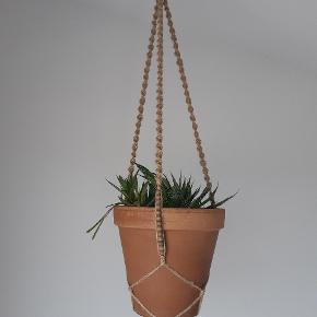 Planteophæng med perler sælges uden plante og potte