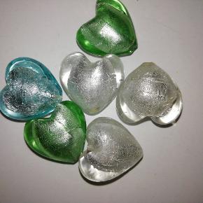 2x2 cm glas hjerter 10 kr ialt
