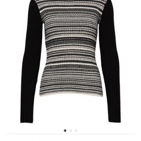 Købt december 19. Er stadig i butikkerne. Smuk sweater. Meget blød og behagelig.  Kun brugt to gange. Helt som ny.  Ingen tøjbytte Ingen foto m den på Kun salg via køb nu Fast pris