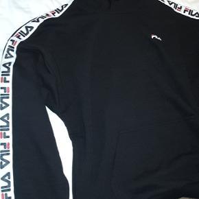 Fila hoodie, aldrig brugt stadig med prisskilt