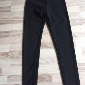 Pæne bukser  S kan også bruges som legging