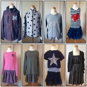 Sælger dette pigetøj, bestående af en softshell jakke inkl fleecejakke, en bluse og 5 stk kjoler. Jakken og fleecejakke er som ny, blusen er helt ny, aldrig brugt, kjolerne er brugt 1-2 gange. Kommer fra et ikke ryger hjem. Kan afhentes i 2990 Nivå eller sendes mod betaling.  Billede 1+2 Softshell jakke fra M79 inkl fleecejakke fra H&M. Str 152(12 år). Sælger jeg for 150kr. Billede 3: bluse fra Friboo, str. 134/140(9/10 år). Sælger jeg for 60kr. Billede 4:kjole med farveskiftende palietter fra Desigual. Str. 146/152(11/12 år). Sælger den til 250kr. Billede 5: kjole fra Happy Girls. Str. 152(12 år). Sælger den for 150kr. Billede 6: kjole fra Marc O'Polo. Str. 152(12 år). Sælger den for 250kr. Billede 7: 2-in-1 kjole med sweatshirts fra OVS. Str. 152/158(12/13 år). Sælger den for 125kr. Billede 8: kjole inkl cardigan fra D-XEL + et par stømpebukser fra Mala. Str. 140(10 år). Sælger det for 200kr.
