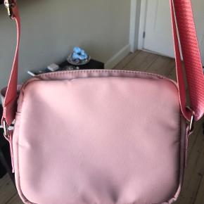 Justerbar taske fra hvisk