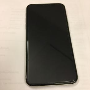 IPhone X fra april 2018 64 GB Næsten ny kun brugt siden april, ingen slidmærker overhovedet og lige så pæn som ny. Med panzer glas og cover.  Sælges da jeg vil have en plus model.  PS. Ingen skambud !!  Med følger kvittering kasse lader og headset