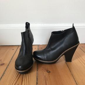 Lækre støvler fra Won Hundred. Aldrig brugt - kun prøvet på derhjemme da de var en gave uden kvittering. Str. 37.