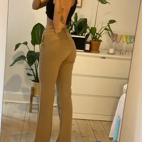 Neo Noir bukser
