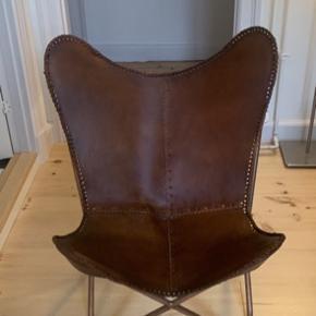 Bahne flagermusstol købt for 2 år siden og har stået som pynt.   Nypris 2.499