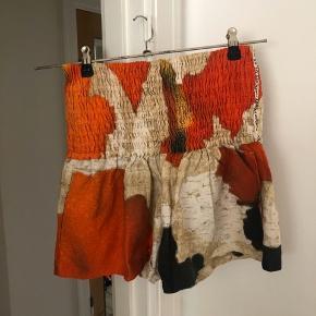 Virkelig smukke shorts fra Acne Studios, Supreme Wall SS14. Aldrig brugt. 100 % linen