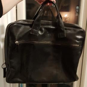 Tiger og Sweden computer læder taske. Har den helt rigtige patina😊 Ny pris 2700kr.