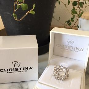 Ny ring fra Christina Watches. Aldrig brugt, da den ikke passer mig. Det er en str 51. 925 sølv