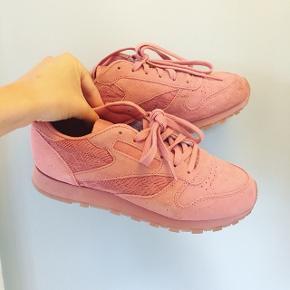 Helt nye Reebok sneakers i fineste farve Str 37 Æske medfølger