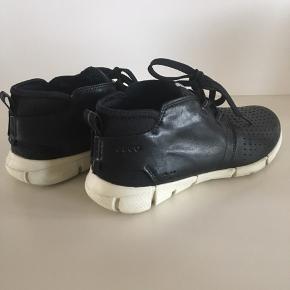 Lækre, behagelige og bløde skind Ecco Sneakers - meget velholdte