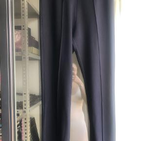 Klassisk buks fra Malene Birger i mørkeblå.