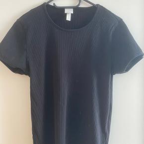 Sort ribbet basic t-shirt
