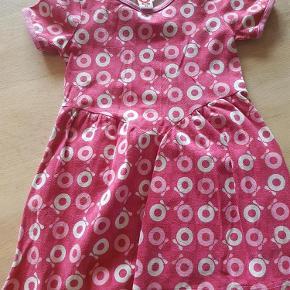 Varetype: kjole Farve: se billede  Mp 40 kr pp