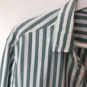 Fed oversized skjorte fra HM ⭐️ købt fra et år siden, men er aldrig brugt.