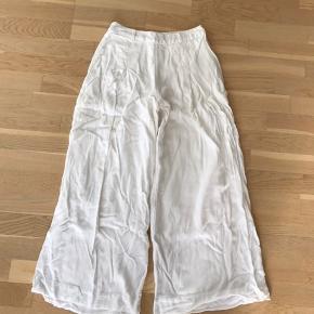 Hvide bukser fra AND, vide ben  #30dayssellout