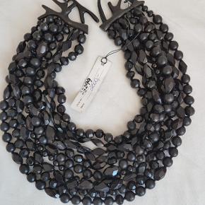 Mega flot halskæde fra Monies. Aldrig brugt. Super pris.
