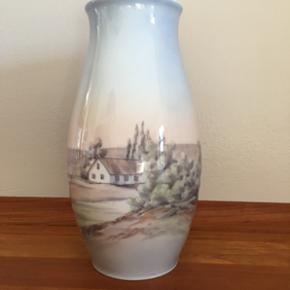 Bing og Grøndahl  vase meget velholdt ingen skår Højde 21 cm