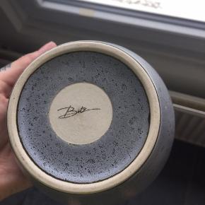 Grå skål (skyrskål) fra bitz