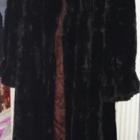 BYD mink look dejlig bløde varm skind pels str 46 mærket michelle Alexis,brugt 1 gang,frem står som ny, jeg er åben med realistisk bud