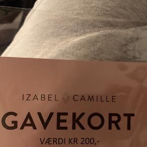 Gavekort til køb af smykker fra Izabel camille. Har fået det i julegave, men står ikke lige og mangler noget derfra ☺️. Der er for 200 kroner.  Obs. det er en kode der skal bruges, så gavekortet behøver ikke blive sendt ☺️.
