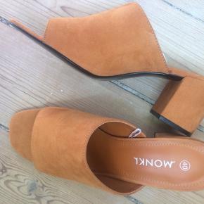 Virkelig fine sandaler fra Monki. Aldrig brugt, kun prøvet på.