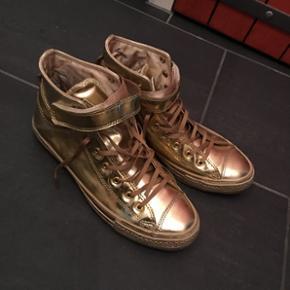 Converse Gold neu