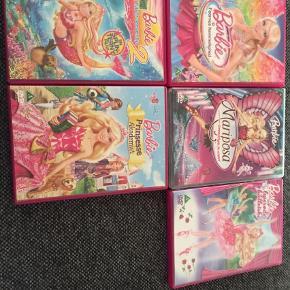 Barbie dvd film. Modtager betaling via mobilepay og sender med coolrunner. DVD Farve: Pink
