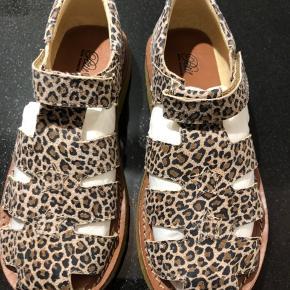 Nye smukke leopard sandaler str 34 Ny pris 700, mp 250