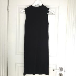 Bodycon kjole fra Noisy May  Str 36  Kom med er bud!   Kan afhentes på Vesterbro eller sendes(køber betaler fragt)