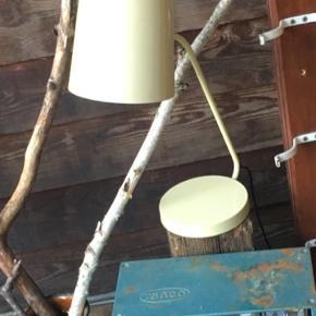 Bord lampe  Metal virker ingen ridser   Kolding midtby