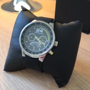Super flot Jan Magnussen limited ur, kun brugt en enkel gang har ingen ridser eller mærker