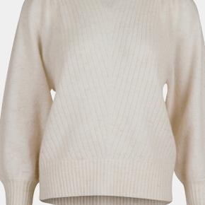 Super fin Neo Noir bluse i alpaka/uld blend, kom med et bud