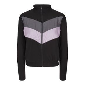 Helt ny bluse fra Liberte  Dejligste og blødeste Alma Jacket.  Str. L/XL Bytter ikke🌸