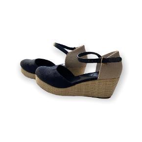 EDITED sandaler