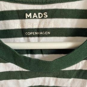 Sælger næsten ny Mads Nørgaard t-shirt i str. L. Sælges grundet jeg ikke får den brugt. Ny pris: 300 kr.