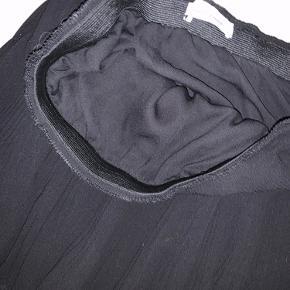 Kort plisse nederdel fra samsøe samsøe. Super fin