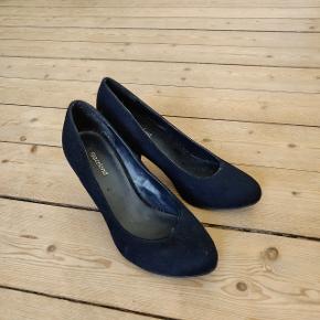 Graceland heels