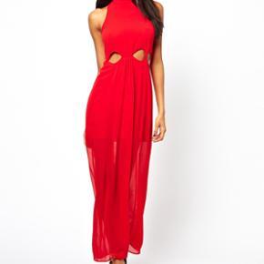 Sælger denne super flotte maxi kjole fra river Island. Brugt en gang, som ses på det sidste billede. Str. 6 🌸