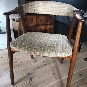 Farstrup stol i teak træ - jeg har to stk med samme polstring