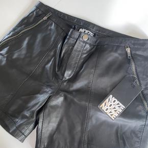 Aldrig brugt. Lækre shorts i læder fra mærket noize  Kom gerne med bud!😍